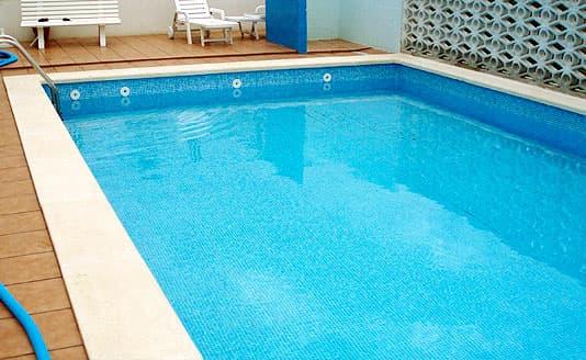 Reparaci n piscina ait piscinas y jardines for Reparacion piscinas